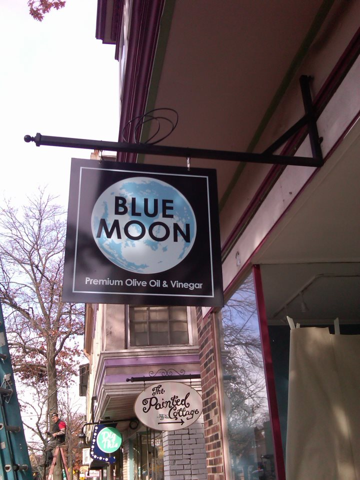 BlueMoonoliveOil.com/